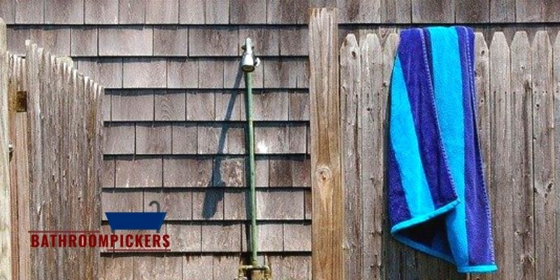 What to Look for the Best Outdoor Shower Fixtures