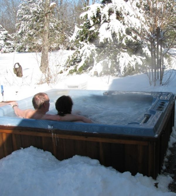 Is It Bad To Go In A Hot Tub In Cold Weather